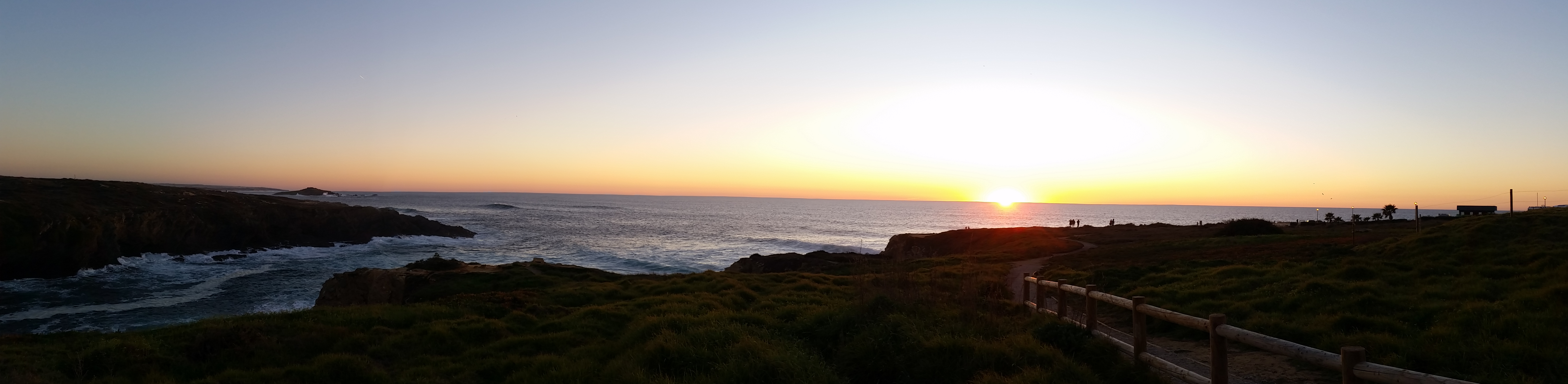 Traumhafter Sonnenuntergang in Porto Covo.